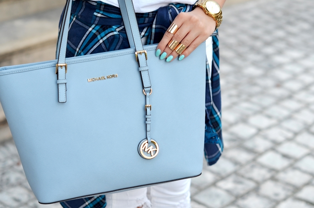 6149bb45c1e70 ... Michael Kors Jet Set Travel (kolor  pale blue).  plaamkaa michael kors jet set baby blue laila deezee (2)