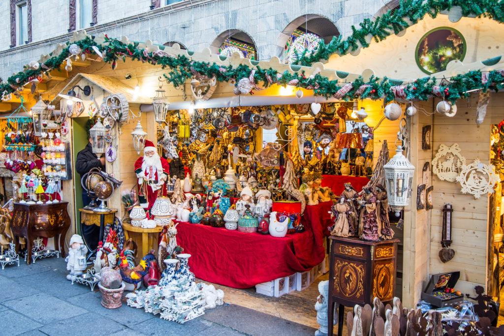 kiermasz świąteczny w Mediolanie