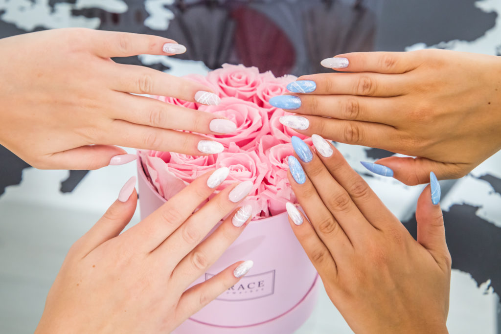 manicure na wesele
