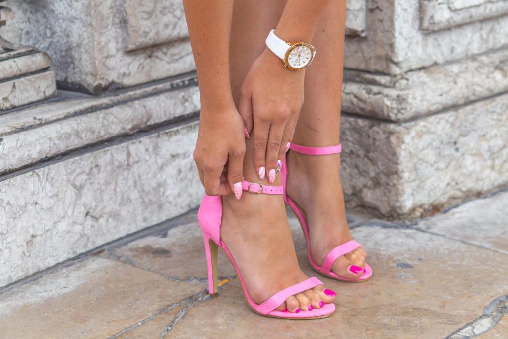 różowe sandałki na szpilce