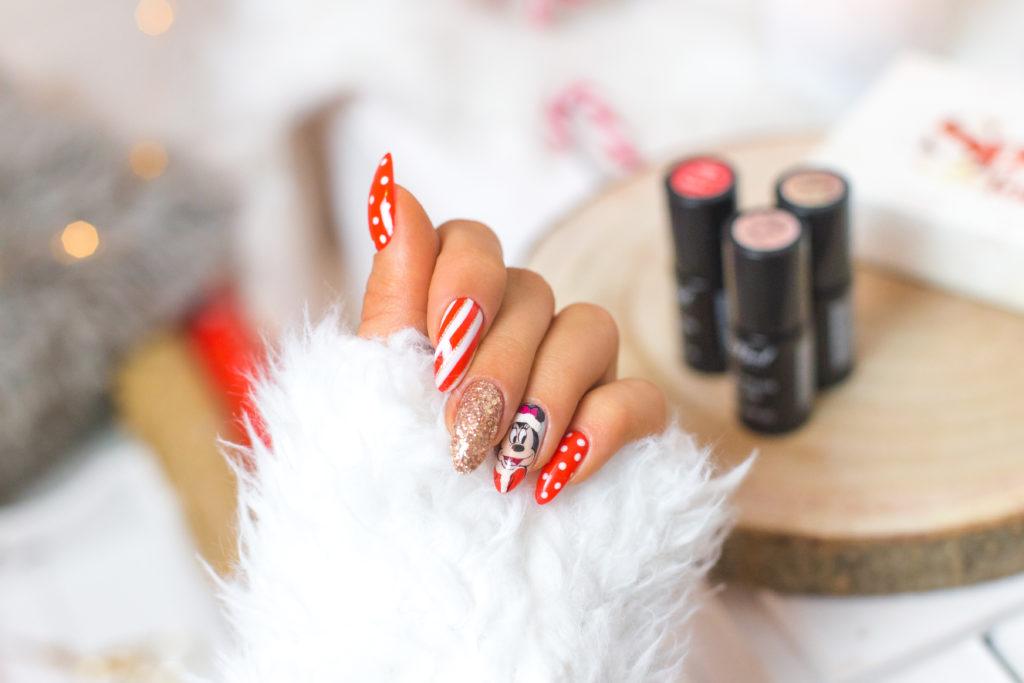 Świąteczny manicure z Myszką Mickey