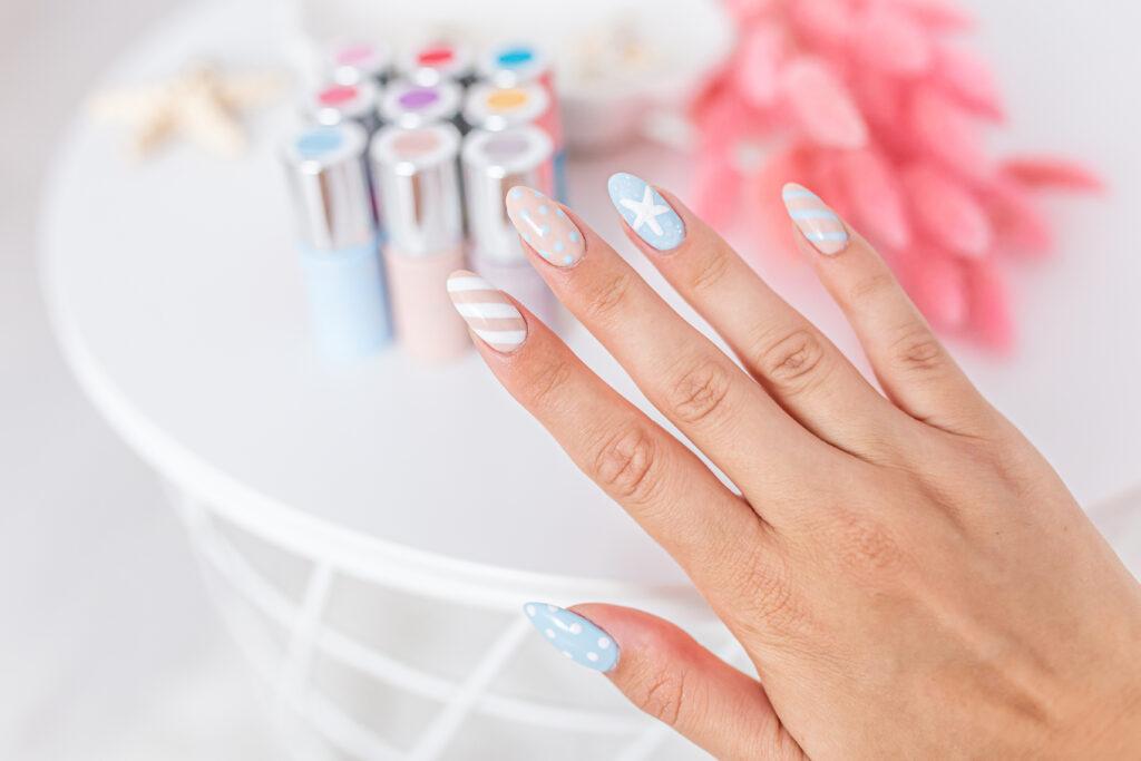 manicure na lato